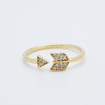 Arrow rhinestones ring