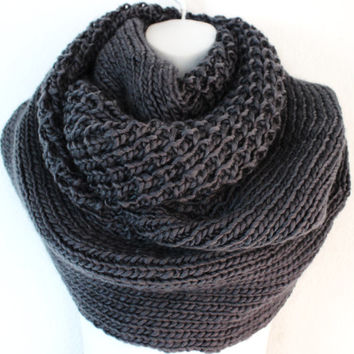Boho Knitted Scarf, Oversized Scarf, Gray Knit infinity Scarf, Chunky Knit Scarf, Fall Scarf, Knitted Chunky Scarf, Blanket Scarf