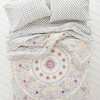 Plum & Bow Eliza Hand-Drawn Medallion Comforter Snooze Set - Urban Outfitters