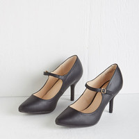ModCloth Minimal Reuniting with Friends Heel in Black