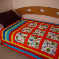 Free shipping,  Baby quilt . A gift for born baby. Gift for birthday. Quilt for  siblings.