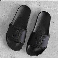 Versace Popular Unisex Comfortable Prevent Slippery Wear-Resisting Thick Sole Sandals Slippers Shoe Black