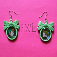 Peter Pan and Wendy couple cameo earrings - Disney