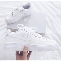 Vsgirlss NIKE AIR FORCE 1 classic men and women wild casual white shoes 1