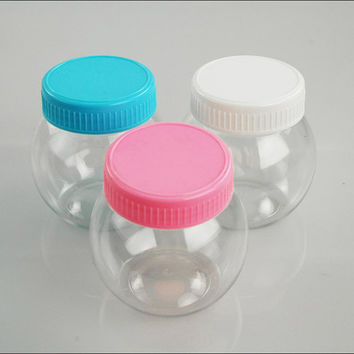 Plastic Round Favor Container with Lid, 3-inch, Small
