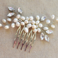 Pearl hair comb, wedding pearl comb, pearl bridal comb, pearl headpiece, bridal head pieces, pearl hair jewelry, floral hairpiece, hair comb