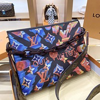 LV 2020 new tie-dye gradient wild chain bag clutch bag shoulder bag messenger bag