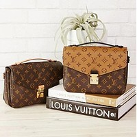 LV fashion leather chain shopping leisure waist shoulder bag crossbody bag