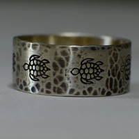Rustic hammered sterling silver sea turtle ring for peace and tranquility