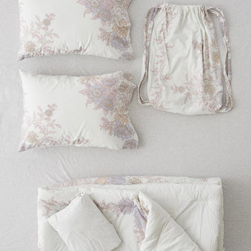 Analise Floral Medallion Comforter | Urban Outfitters