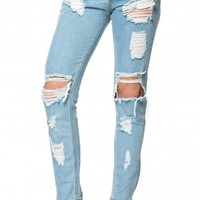 Destructed Boyfriend Jeans in Light Wash