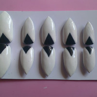 10 press on nails Rihanna you da one style stiletto nails to fit large nails beds.