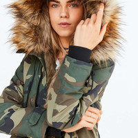 Silence + Noise Camo Faux Fur-Lined Parka - Urban Outfitters
