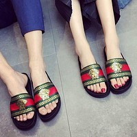 Versace new slippers fashion outer wear flat non-slip casual beach shoes for men and women