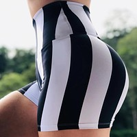 2020 new arrivals women's black and white printed sports fitness stretch tight running yoga shorts