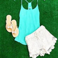 SIMPLE ELEGANCE CHIFFON TOP IN MINT