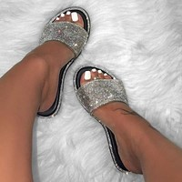 Rhinestone candy-colored slippers new Fashion women flip flop fashion wild beach shoe diamond flat bottom outdoor wild sandals