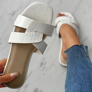 Summer new fashion casual flat open toe flat beach sandals and slippers shoes