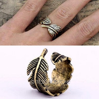 Retro Womens Mens Chic Rings Feather Vintage Finger Ring Jewelry = 1946979076