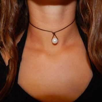 Womens Leather Pearl Teardrop Choker Necklac + Gift Box