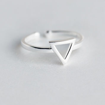 Personalized hollow carved triangle 925 sterling silver ring,a perfect gift