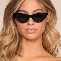 Lizbeth Cat-Eye Sunglasses - Black