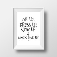 "Wall artwork Digital art print ""Never give up"" Typography art Typographic print Wall decor Home art Motivational quote Inspirational art"