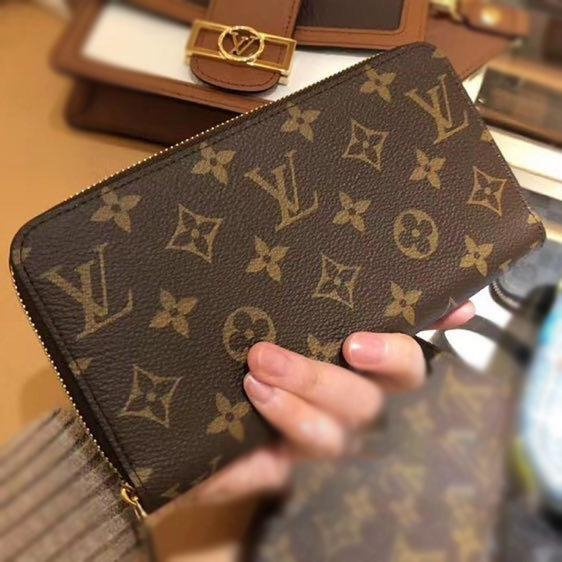 Image of Louis Vuitton LV Classic Letter Print Pattern Long and Short Handbags Coin Purses Key Cases Fashion Men's and Women's Wallets Clutches