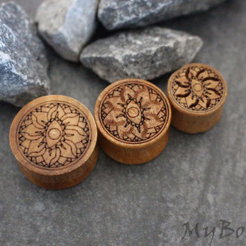 Wooden Lotus Ear Plugs