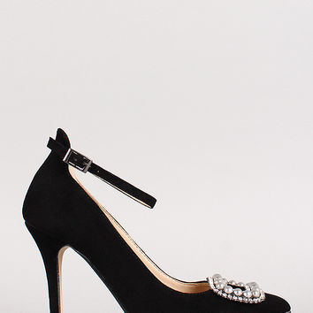 Anne Michelle Pearl Pointy Toe Pump
