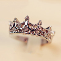 2015 Fashion Crown Rings Palace Restoring Ancient The Queen's Temperament Woodwork Anillos Tail Silver Women Jewelry B4 R211