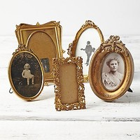 Womens Vintage Picture Frame Set - Assorted One