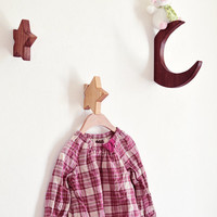 A set of 3 star hooks. Perfect for the kids room. Beautiful minimalistic home decor. Hanger.