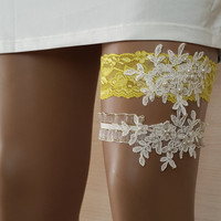 toss garters, ivory, yellow,   lace,    wedding garters,    bridal accessores,   garter suspander,    free shipping!