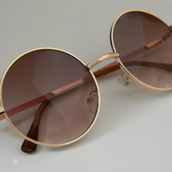 Vintage Deadstock  Gold Wire Frame ROUND/CIRCLE SUNGLASSES in Brown