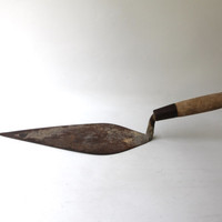Antique tool collectable large concrete masonry trowel