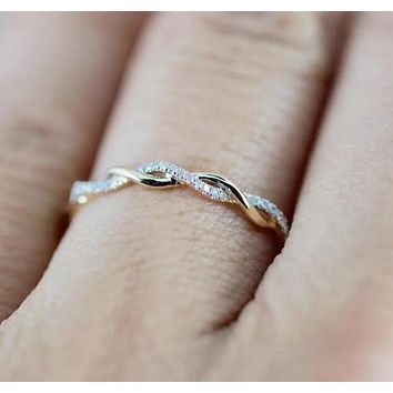 Twisted CZ Ring