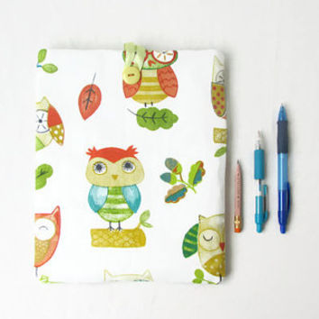 Owl IPad case, 10 inch tablet case, Ipad cover, fabric tablet sleeve, bright owl print fabric, IPad or IPad Air cover, handmade in the UK