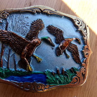 The great American buckle company, 1987 Flying ducks belt buckle # 1850, bird hunting belt buckle, gift for him, vintage belt buckle