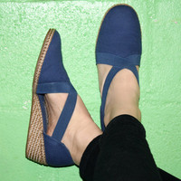 Vintage ESPADRILLES WEDGE, Navy Blue 80s CANVAS Comfy Casual Shoes by Easy Spirit Size 7 / 37.5