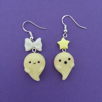 Kawaii Ghost Earrings - Ghost glows in the dark, perfect for halloween! Cute as a charm or key chain too