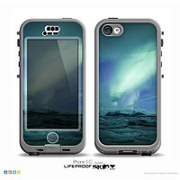 The Glowing Northern Lights Skin for the iPhone 5c nüüd LifeProof Case