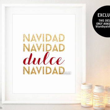 Dulce Navidad, Christmas decor in red and gold glitter