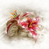 Stargazer lily pendant necklace or brooch, polymer clay flower pin, polymer clay jewelry, gift for her