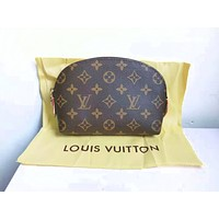 Louis Vuitton LV New Fashion Tide Brand Women Leisure Cosmetic Bag Shell Shape Clutch Bag Storage Bag