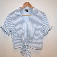 Vintage Blue and White Vertical Striped Button Down Collared Short Sleeve Crop Top/Tie Up Blouse/Shirt - Size 12