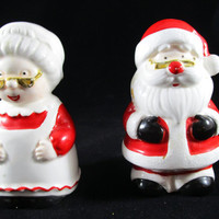 Mr and Mrs Clause Salt and Pepper Shakers, Made by OCI Taiwan (1145)