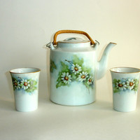 Vintage Hand Painted Tea Set, Teapot and Cups, Tea Pot, Mugs, Porcelain White and Yellow Daisy Flowers, by Mary Senn, Rattan Wrapped Handles