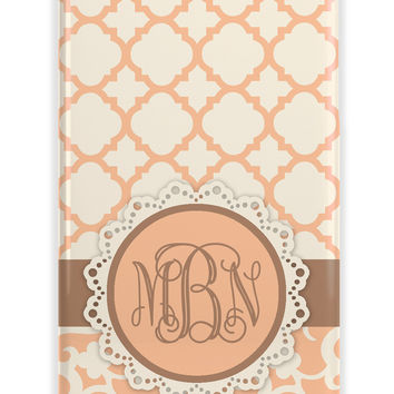 QUATREFOIL AND FLORAL SOFT ROMANTIC - INITIALS IPHONE CASE