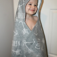 Personalized Hooded Kids Towel with Arrow Design